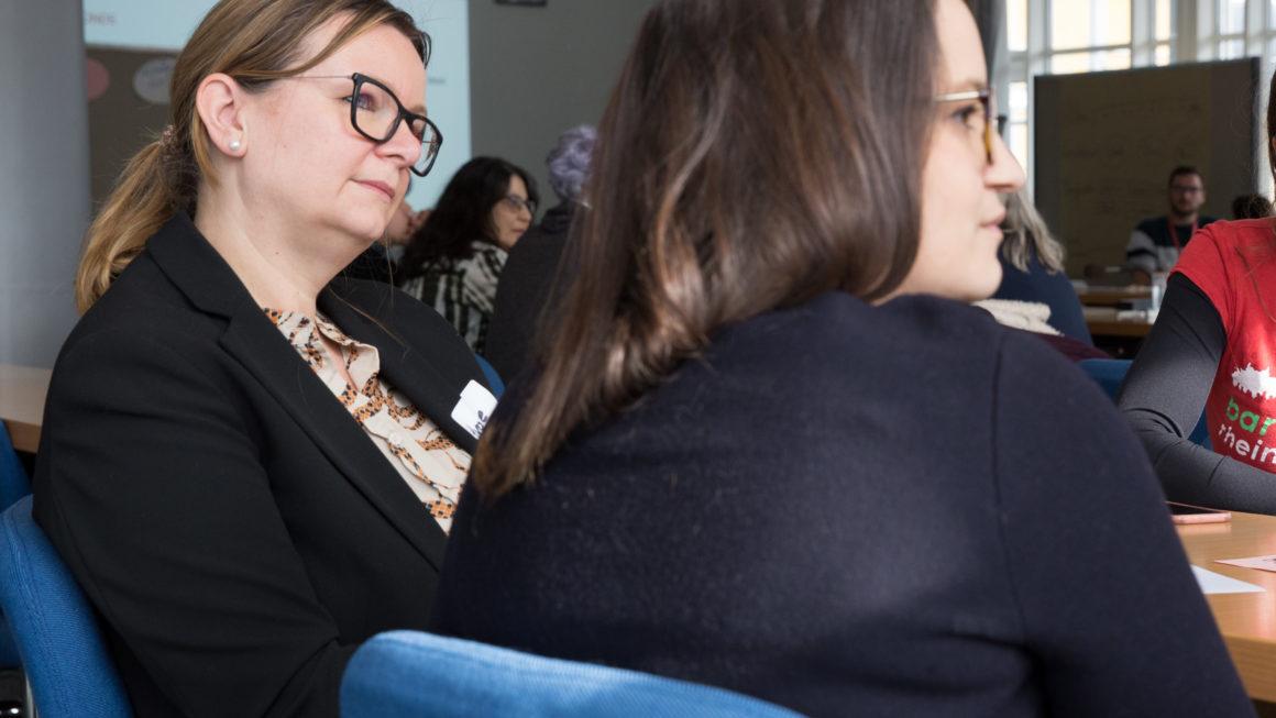 Das 2. Feministische Barcamp als Plattform für die Beteiligung bei der Umsetzung der EU-Charta zur Gleichstellung von Frauen und Männern auf lokaler Ebene